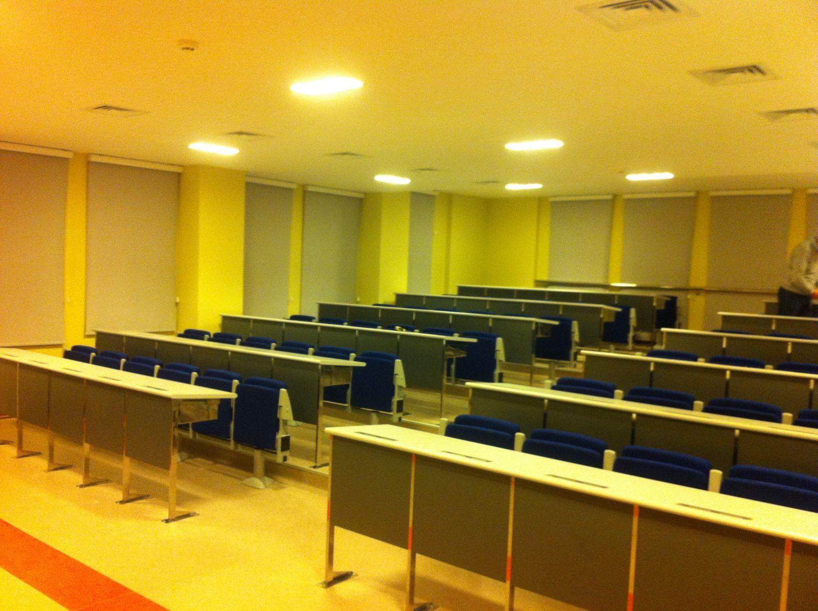 İstanbul Üniversitesi Sekiz Ofis Özel Tasarım Paslanmaz Anfi Sıraları